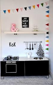 fabriquer une cuisine enfant les plus jolies cuisines pour enfants à faire soi même ou pas