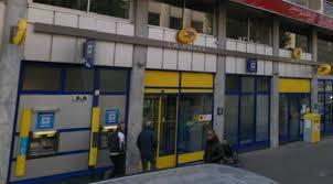 bureau de poste charpennes villeurbanne un d un bureau de poste poignardé par un client