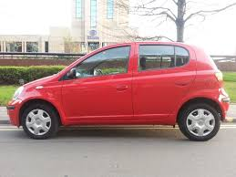 very low guaranteed 32 000 mls 2004 toyota yaris 5dr hatch