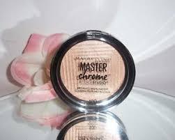Maybelline Master Chrome maybelline by studio master chrome metallic highlighter 100