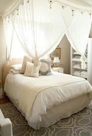 chambre lit baldaquin deco lit baldaquin superior papier peint chambre fille 9 deco