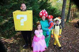 super mario bros family costume theme the mom creative