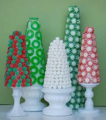 Candy Topiary Centerpieces - diy edible centerpieces that make your holiday table look amazing