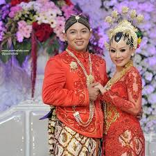 wedding dress jogja beautiful wedding dress paesageng groom