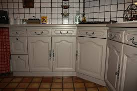 repeindre une cuisine ancienne repeindre meuble cuisine en bois affordable meuble cuisine bois et