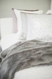plaid pas cher pour canapé on vous présente le meilleur plaid en fourrure en 40 photos