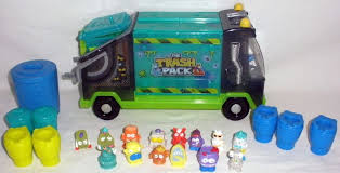 trash pack ghost garbage truck 14 trashies cans
