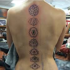 24 back tattoos that will send shivers down your spine