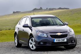chevrolet cruze hatchback review 2011 2015 parkers