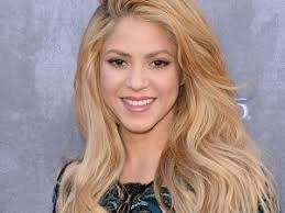 what color is shakira s hair 2015 shakira 2018 hair eyes feet legs style weight no make up