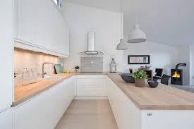 cuisine blanche plan de travail bois comment choisir un plan de travail dans la cuisine