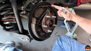 suzuki grand vitara rear brake drum inspection youtube