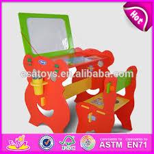 bureau tableau enfant en bois enfants bureau et des chaises avec tableau magnétique