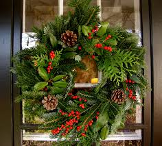 Easy Christmas Decorations To Make At Home Diy Outdoor Holiday Decorating Ideas And Design Turn Every Day