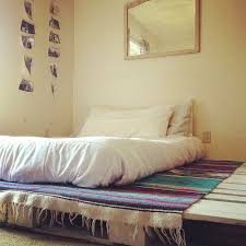 Diy Platform Bed From Pallets by Pallet Board Bedroom Very Simple And Beatnik Looks Suprisingly