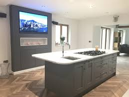 Prep Sinks For Kitchen Islands Kitchen Island With Feature Entertainment Backdrop Central Hob
