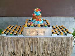hawaiian themed wedding hawaiian themed wedding cake and cupcake display 09 2011 flickr