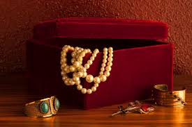 pearl necklace boxes images Why do we keep jewelry in jewelry boxes money jpg