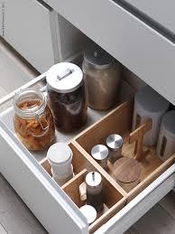 ordning ikea lådor luckor knoppar och handtag sätter stilen i köket men glöm