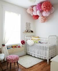 babyzimmer deko basteln baby kinderzimmer dekorieren sanfte pastellfarben und warme