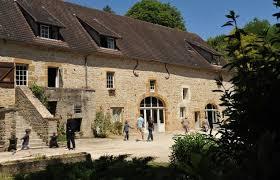 chambre d hote vezelay chambre d hôtes le moulin de vézelay 15 personnes avec piscine à