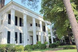 the history of the antebellum plantation style home