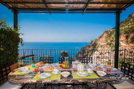 villa with big kitchen in positano