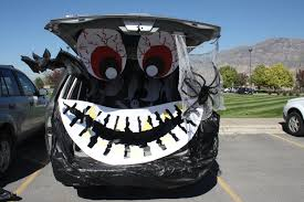Halloween Car Decoration Ideas Decor Trunk Or Treat Ideas For Decorating With Two Eyes And Big