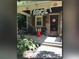 themed throws throws amazing target themed party 12news