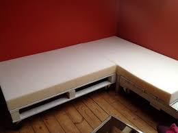 mousse de canapé diy é 2 2 mon canapé en palette canapé palette passepoil
