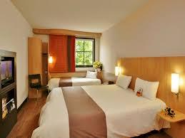 chambre hotel ibis hôtel ibis caen centre port de plaisance normandy tourism