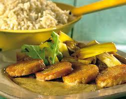 cuisiner le tempeh tempeh au confit de poireaux et sauce moutarde colruyt