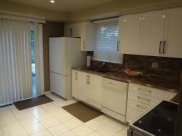 Toronto Kitchen Cabinets White Cabinetry For Kitchens In Aurora - Cheap kitchen cabinets toronto