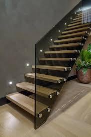 din fã r treppen treppenhaus beleuchtung minimalistisch treppen bauhaus look