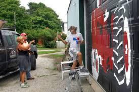 Barn Murals Artist Paints Murals On Illinois Barns