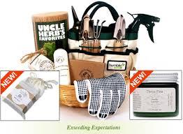 gardening gift basket herb s favorites gardening gift basket humble seed