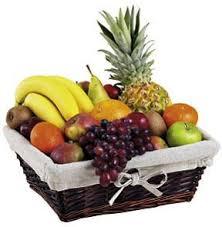 fruit basket arrangements fruit basket for united kingdom intercat 481508 united kingdom