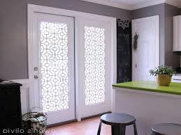 are many alternatives of window treatments for sliding glass doors