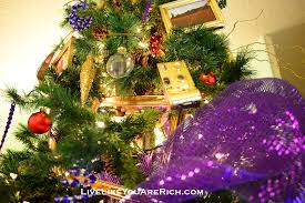 how to decorate your tree like a pro live like you