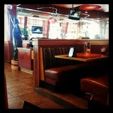 Red Robin Interior Photos At Red Robin Gourmet Burgers 301 S Hills Vlg