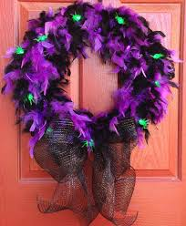 scary halloween signs diy halloween wreath halloween decor ideas