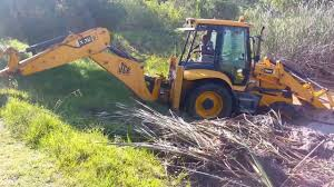jcb 3cx pulling itself out of a dam youtube