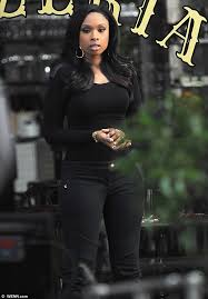hudson jeans black friday jennifer hudson prepares to tuck into pizza after reaching her