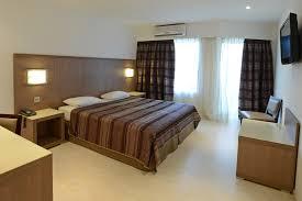 dans la chambre d hotel chambres d hôtel à calvi dormir à calvi