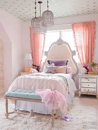 Bed Wallpaper 20 Times Wallpaper Totally Nailed It Ceilings Decorating And