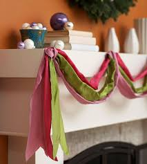 How To Decorate Garland With Ribbon Easy Christmas Decorating With Ribbon
