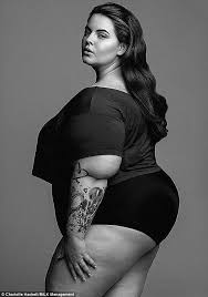 Calvin Klein S Plus Size Model Sparks Controversy - tess holliday slams hypocritical plus size models who refuse the