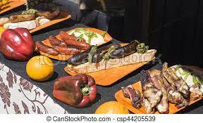 la cuisine au moyen age porc moyen âge foire nourriture scène espagnol photos de