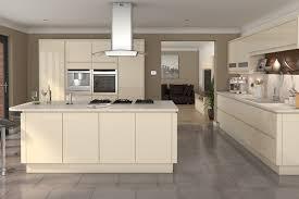 cream kitchen cabinets what colour walls cream kitchen cabinet doors khosrowhassanzadeh com