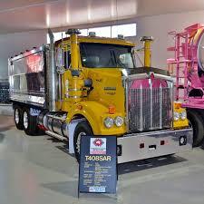 kw truck dealer file kenworth t408sar kenworth dealer hall of fame 2015 jpg